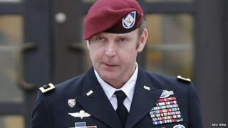 Army Brigadier General Jeffrey Sinclair leaves the courthouse at Fort Bragg in Fayetteville, North Carolina 4 March 2014