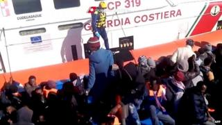 Migrants rescued at sea in Italy (19 March 2014)