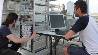 Research team test photonics-based coherent radar system