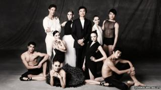 Li Cunxin and members of the Queensland Ballet