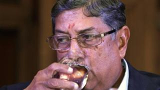 Pressure is mounting on Mr Srinivasan to quit as the chief of India's cricket board, report say