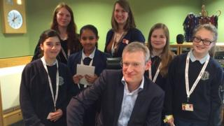Pupils with BBC's Jeremy Vine