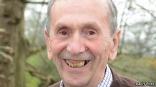 Alun Jones, enillydd Medal Goffa TH Parry Williams 2014