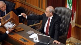 The speaker of the Chamber of Deputies, Nabih Berri, votes (23 April 2014)