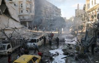 Aftermath of reported air strike in Aleppo's Halak district (1 May 2014)