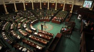 Members of Tunisia's National Constituent Assembly debate the new electoral law (7 April 2014)