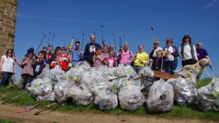 Litter pick at the Nab