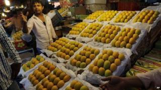Alphonso mangoes being sold in Mumbai