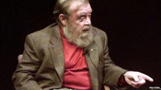 Farley Mowat appeared in Toronto, Ontario, on 23 October 1998