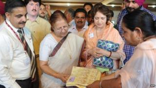 Sumitra Mahajan (second from left)