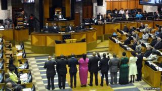 South African politicians are sworn into office