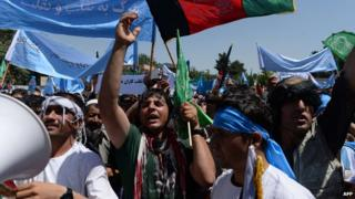 Supporters of Abdullah Abdullah protest in Kabul
