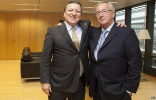 European Commission President Jose Manuel Barroso (L) with successor Jean-Claude Juncker