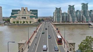 An artist's impression of the cycle lane that would stretch across Vauxhall bridge