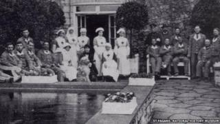 Soldiers and nurses in the hospital at St Fagans during World War One