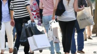 shoppers in Hamburg