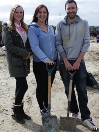 Megan and Kirsty Henderson with Kevin Wood