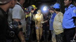 Rescued miner in Nicaragua, 30 Aug 14