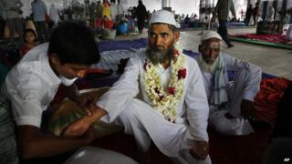 Indian muslims prepare for pilgrimage to Mecca, 3 September 2014