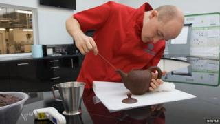 Making the chocolate teapot