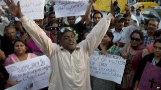 Pakistani human rights activists demonstrate in Karachi, Pakistan on 6 November 2014