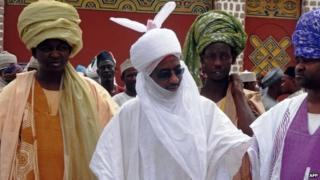 Emir of Kano (centre, in white)