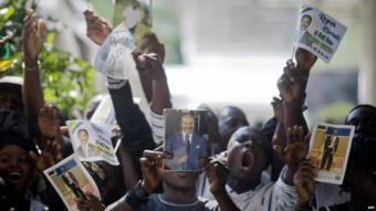 People at the funeral of Gabon's leader Omar Bongo in 2009