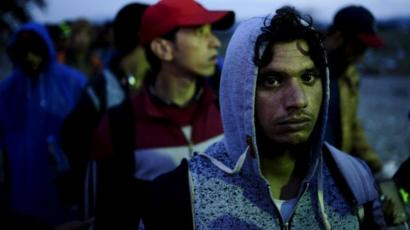 Migrant crisis: Fleeing life under Islamic State in Syria