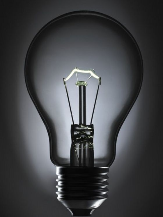 http://ichef-1.bbci.co.uk/news/560/cpsprodpb/133F9/production/_87614887_c0243346-incandescent_light_bulb-spl.jpg