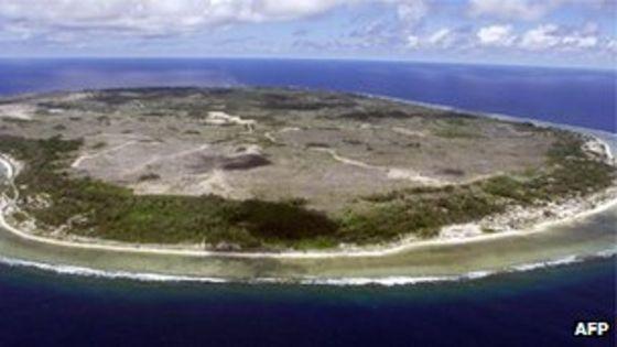 Nauru compared to the Las Vegas strip. [575 x 541] : MapPorn