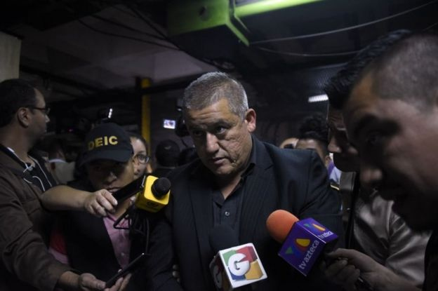 El exsecretario de Bienestar Social, Carlos Rodas, en el momento de su arresto.