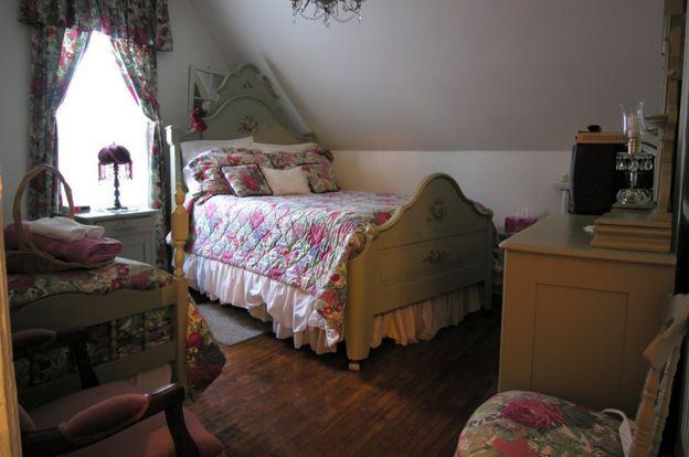 The guest bedroom where Fred and Millie Weeks stayed at the Chamber's Guest House Bed and Breakfast in North Sydney, Nova Scotia