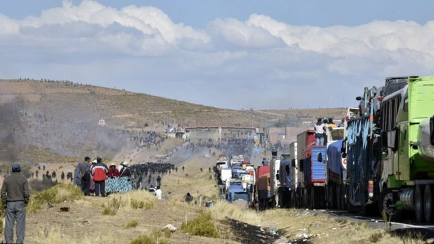 Bloqueo de la carretera entre La Paz y Oruro.