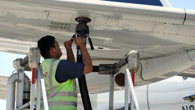 飛機加油(資料圖片)