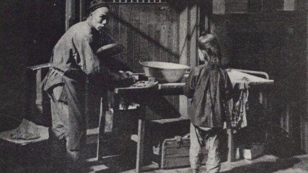 Un carnicero y un niño