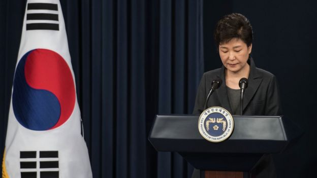 South Korea issues arrest warrants for presidential aides