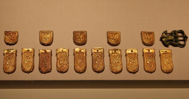 نشانهای سلطنتی از دوران ساسانیان