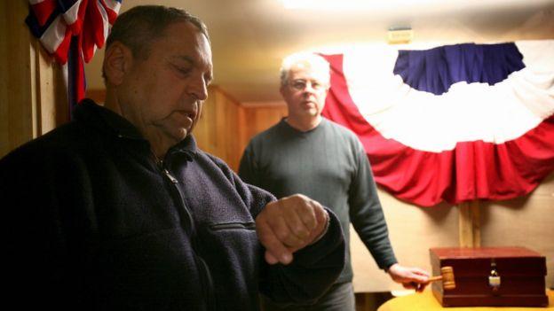 Conteo para la votación en Hart's Location