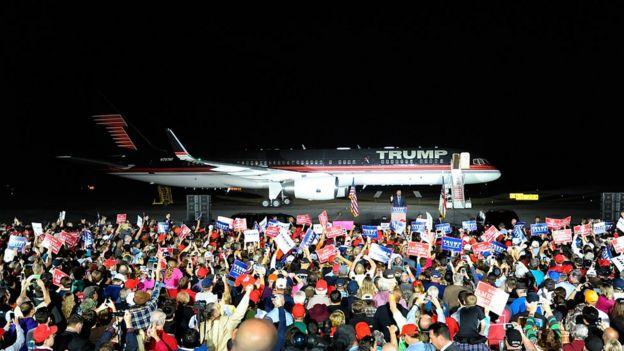 Ndege ya Trump ya 757 ni ya kifahari lakini ndogo kuliko Air Force One