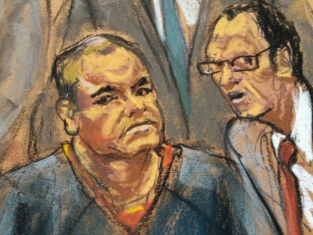 El Chapo permaneció escuchando al traductor.