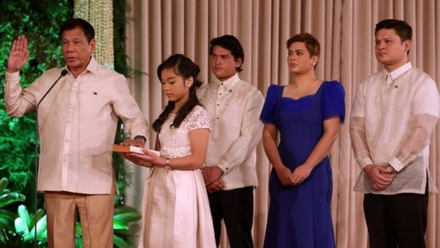 Rodrigo Duterte is sworn in in Manila, Philippines (30 June 2016)