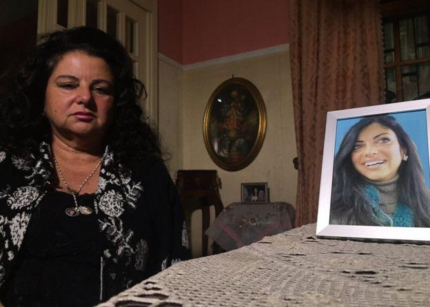 提茲亞娜的母親瑪麗亞與女兒的照片