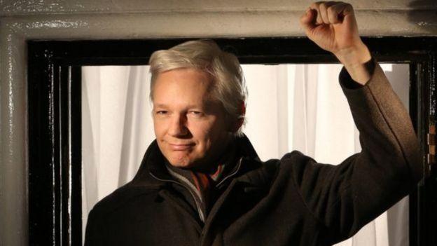 Los emails hackeados del Partido Demócrata fueron publicados en sitios como WikiLeaks durante la campaña electoral presidencial.