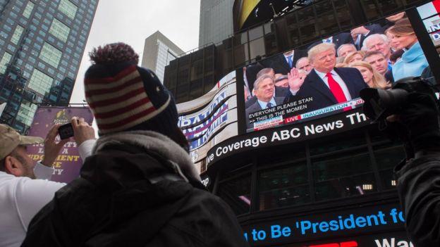 Transmisión del juramento de Donald Trump en Time Square