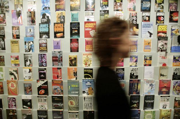 Книги Флеминга в магазине