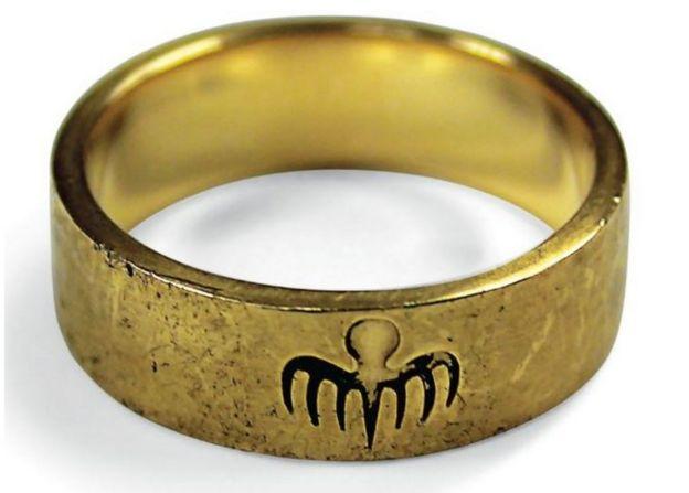 Oberhauser's Spectre gold ring
