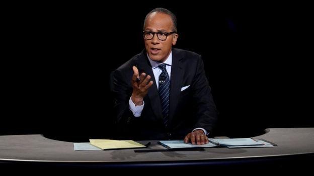 Lester Holt, periodista de la cadena NBC.