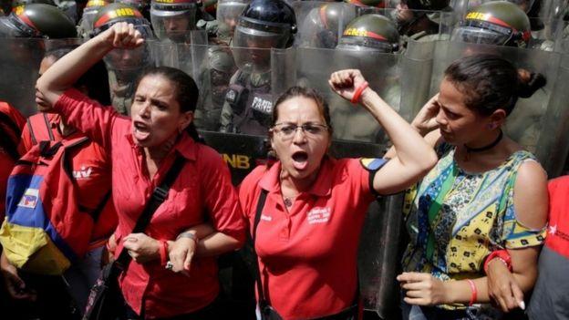 Người ủng hộ ông Maduro cũng xuống đường tuần này