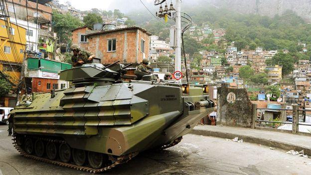Tanque da Marinha na Rocinha, Rio de Janeiro