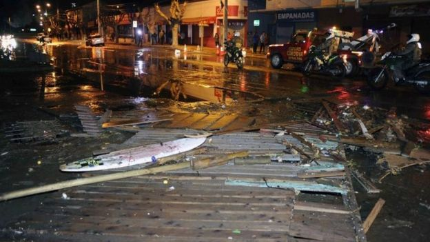 Debris strewn on a street in Valparaiso. Photo: 16 September 2015